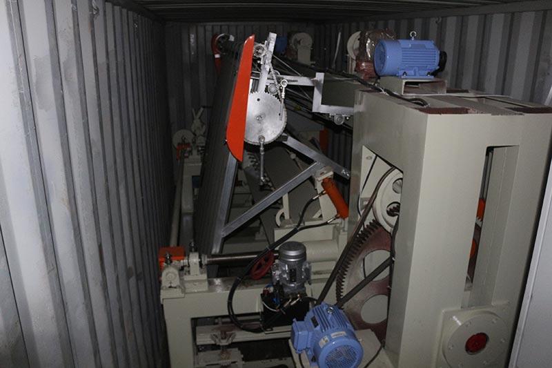 Mesin Geelong mengekspor dua kontainer