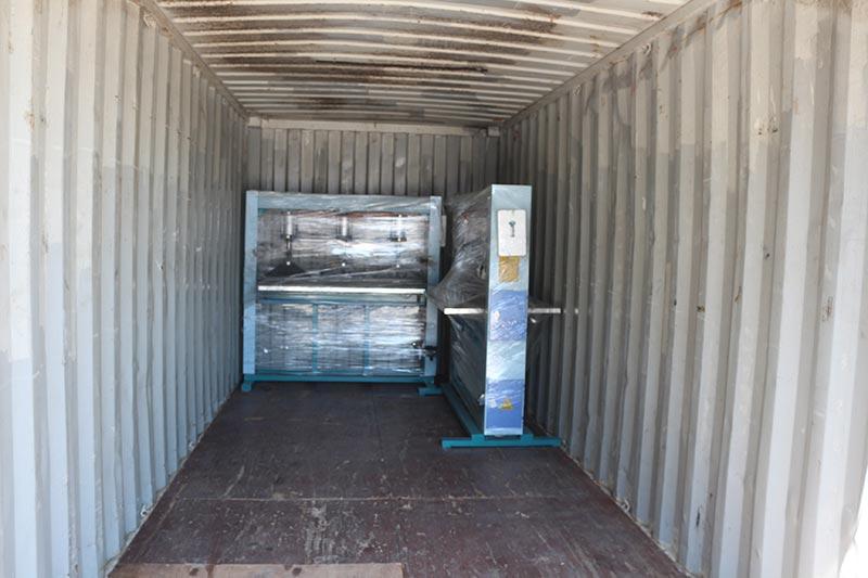 Mesin Geelong mengekspor satu kontainer: Mesin penyebar lem pneumatik 9 kaki