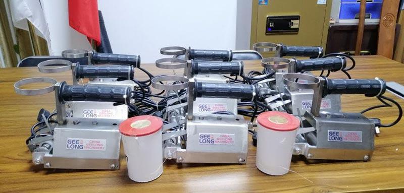mesin jahit veneer secara manual untuk menjahit veneer ukuran kecil