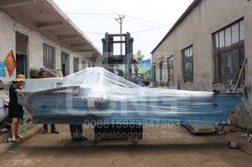 GeeLong ekspor dua wadah kayu lapis membuat mesin termasuk mesin penyebar lem pneumatik dan mesin penggiling pisau dan meja angkat hidrolik dan lem mixer